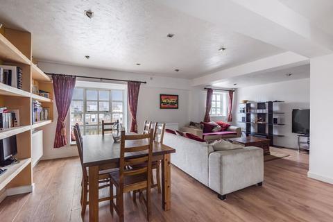 2 bedroom penthouse for sale - Swedish Quays, Rope Street, Surrey Docks SE16