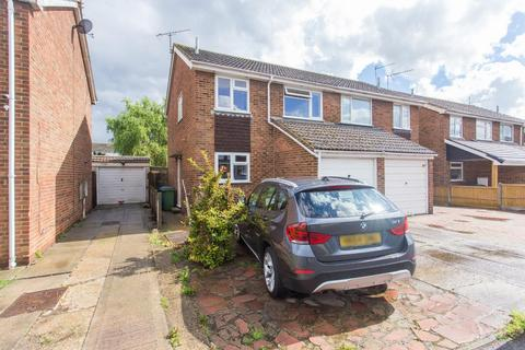 3 bedroom house for sale - Sterling Road, Queenborough