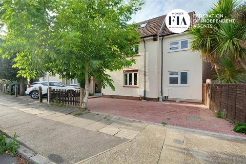 5 bedroom semi-detached house for sale - Crowther Avenue, Brentford