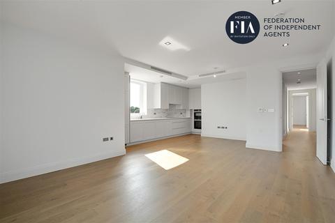 2 bedroom apartment - Renaissance Square, Palladian Gardens, Chiswick