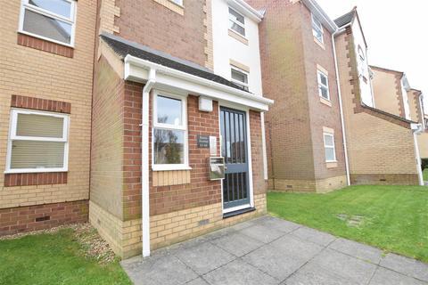 2 bedroom flat for sale - Burns Avenue, Chadwell Heath, Romford