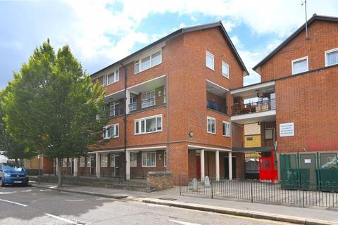3 bedroom apartment for sale - Barnes Street, London, E14