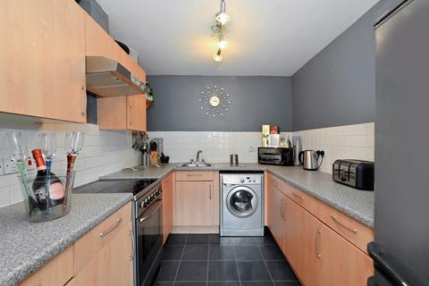 2 bedroom apartment for sale - Broomfield Street, London, E14
