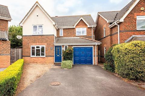 4 bedroom detached house - Ten Acre Way, Rainham, Gillingham