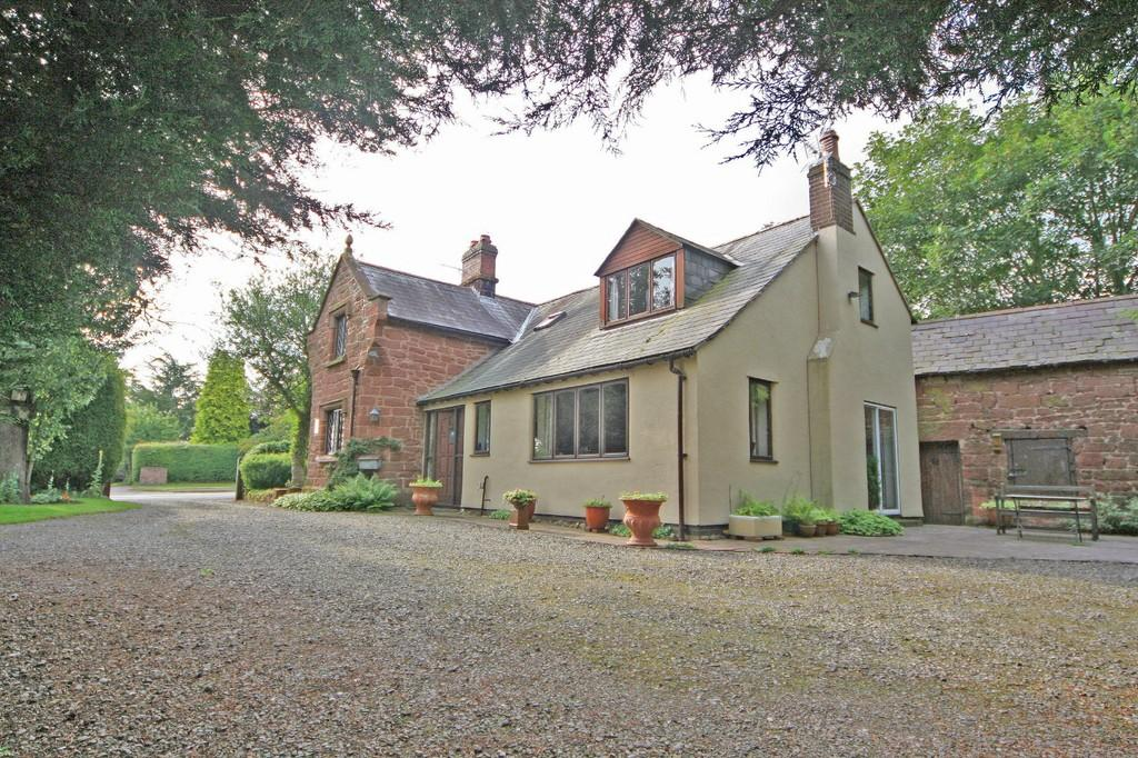 3 Bedrooms Detached House for sale in Churton Road, Farndon