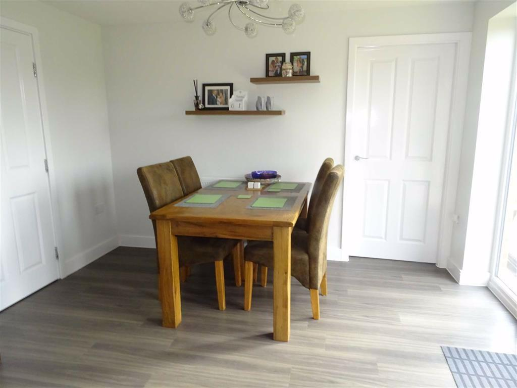 Modern fitted breakfast kitchen/dining room (rear)