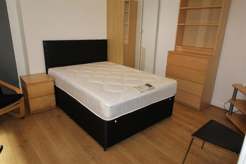 Studio to rent - Shakespeare Street, Coventry