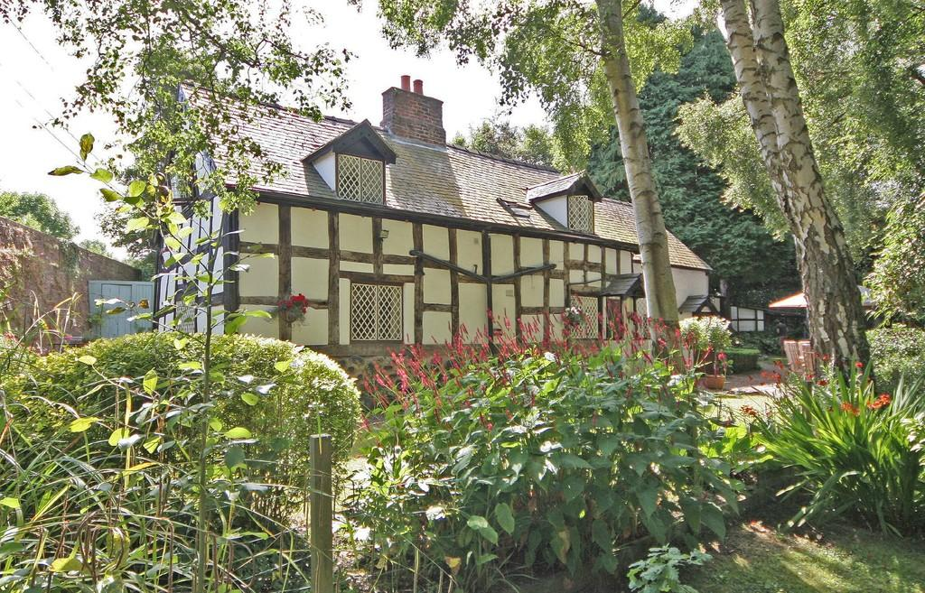 3 Bedrooms Cottage House for sale in Bridge House, Bersham
