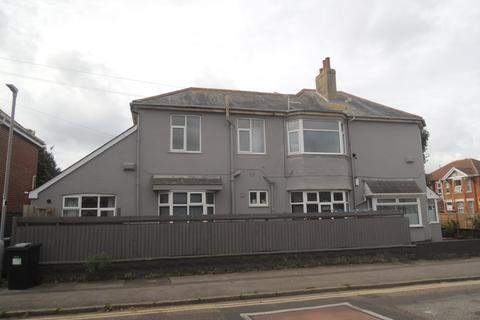 3 bedroom flat to rent - Cranleigh Road, Southbourne BH6