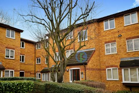 2 bedroom apartment for sale - Greenway Close, London, Greater London, N11
