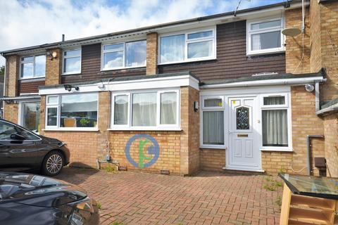 3 bedroom terraced house to rent - Howard Close, London, N11
