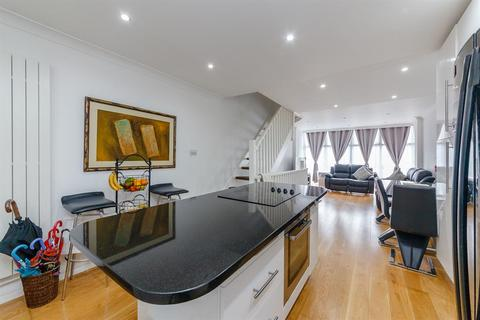 2 bedroom terraced house for sale - Heston Road , TW5