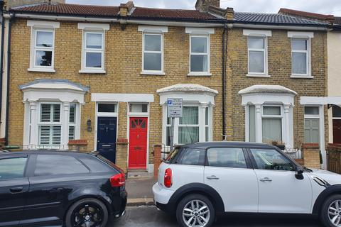 2 bedroom semi-detached house to rent - Pitchford Street, E15