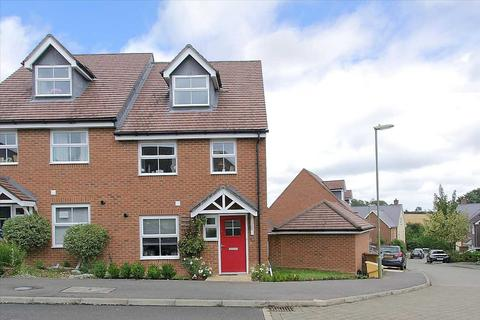 3 bedroom semi-detached house for sale - Sedge Road, Andover