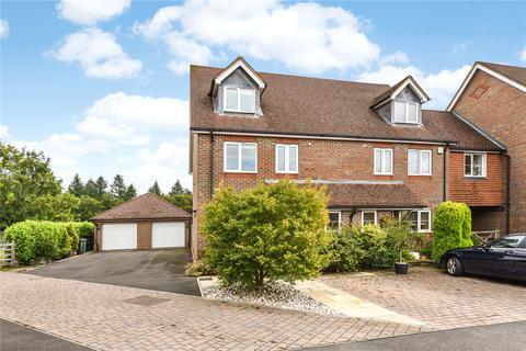 4 bedroom semi-detached house for sale - Thornybush Gardens, Medstead, Alton, Hampshire