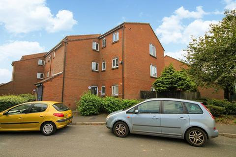 1 bedroom flat for sale - Nene Gardens, Feltham, TW13