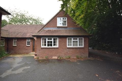 4 bedroom bungalow to rent - Dunstan Cottage, Dunstan Road, Headington, Oxford