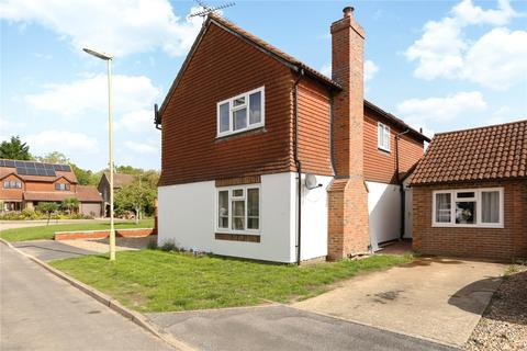 5 bedroom detached house for sale - Vindomis Close, Holybourne, Alton, Hampshire, GU34