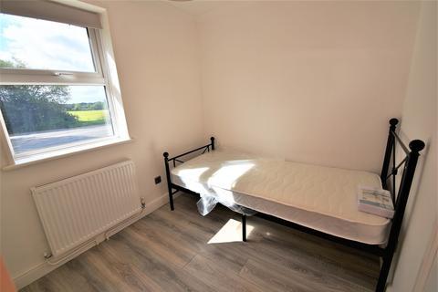 1 bedroom house share to rent - Dimsdale Crescent, Bishop's Stortford
