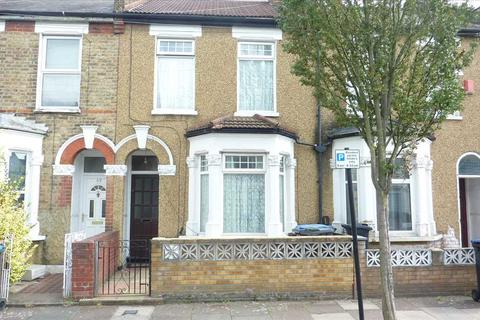 2 bedroom house for sale - Hawthorn Road, London