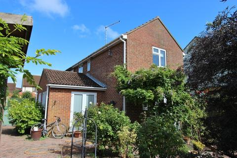 2 bedroom end of terrace house for sale - Church Meadows, Deal