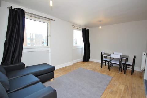 4 bedroom flat to rent - Arbery Road, Bow, E3