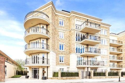 2 bedroom apartment to rent - Higham House West, 102 Carnwath House, 21 Hurlingham Walk, SW6