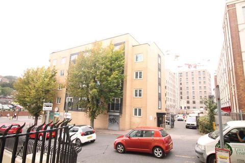 1 bedroom apartment to rent - Coombe Road, Brighton, East Sussex, BN2 4FL