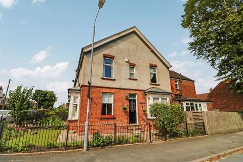 3 bedroom terraced house for sale - Westbourne Grove, Hessle, HU13 0QG