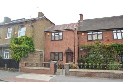 2 bedroom house for sale - Queen Street, London, N17
