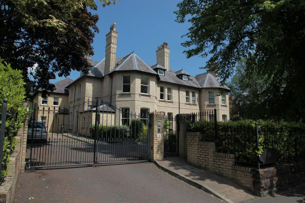 2 Bedrooms Apartment Flat for sale in Bowdon, Cheshire