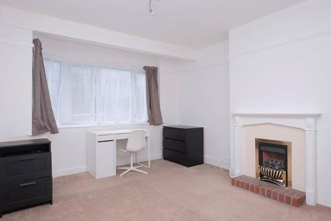3 bedroom house to rent - Lower Bevendean Avenue, Brighton