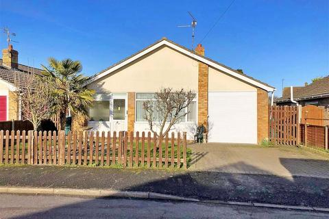 3 bedroom detached bungalow for sale - Carlton Close, Spalding