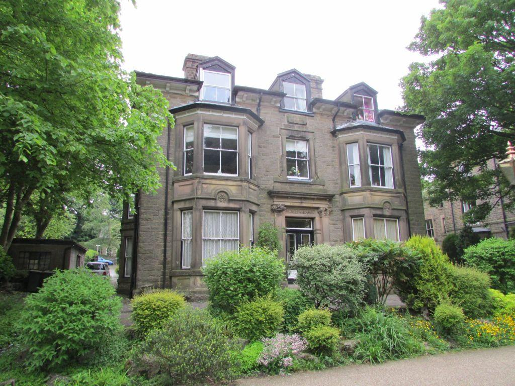 3 Bedrooms Apartment Flat for sale in Broad Walk, Buxton