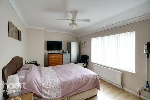 2 bedroom terraced house for sale - Spurling Road, Dagenham