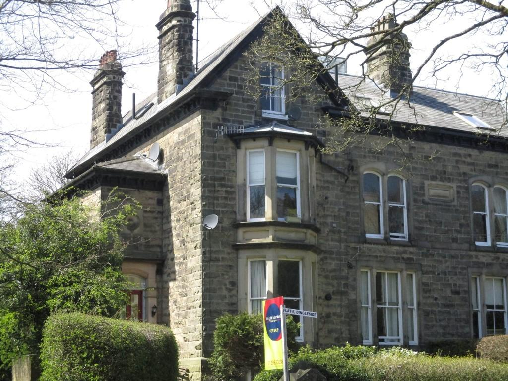 2 Bedrooms Penthouse Flat for sale in Burlington Road, Buxton