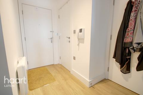 2 bedroom apartment for sale - Laporte Way, Luton