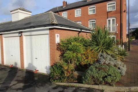 Parking to rent - Garage  Merchants Quay,  Salford, M50
