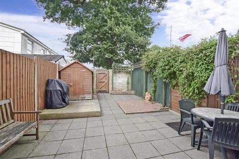 2 bedroom terraced house for sale - Bicknor Road, Maidstone, Kent