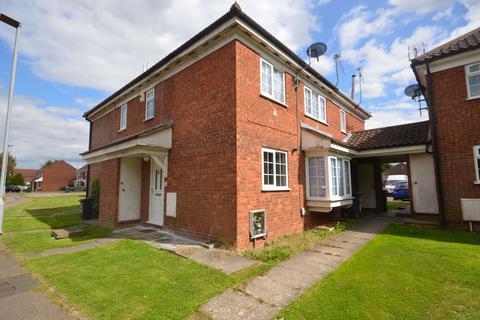 2 bedroom terraced house for sale - Milverton Green, Luton, LU3