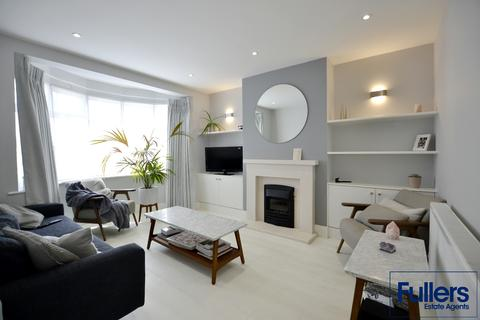 3 bedroom semi-detached house to rent - Rowantree Road, Winchmore Hill, London N21