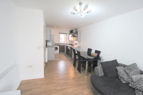 1 bedroom apartment to rent - Wave Court, Maxwell Road, Romford, Essex, RM7