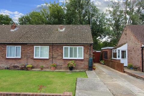 2 bedroom semi-detached bungalow for sale - Bournewood, Hamstreet, Kent, TN26 2HJ