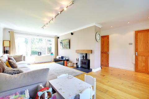 4 bedroom detached house to rent - Old Uxbridge Road, Rickmansworth, Hertfordshire, WD3 9XP