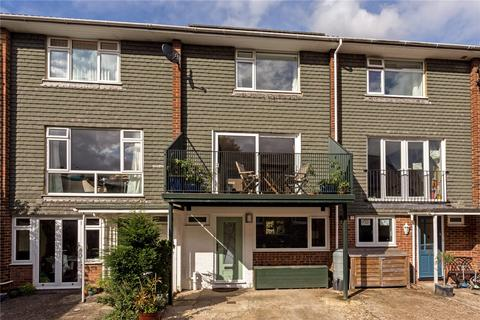3 bedroom terraced house for sale - Hyde Close, Winchester, Hampshire, SO23