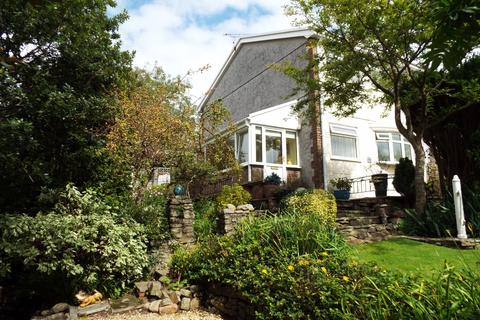 3 bedroom semi-detached house for sale - 30 Brynmead Close, Tycoch, Swansea SA2 9EY