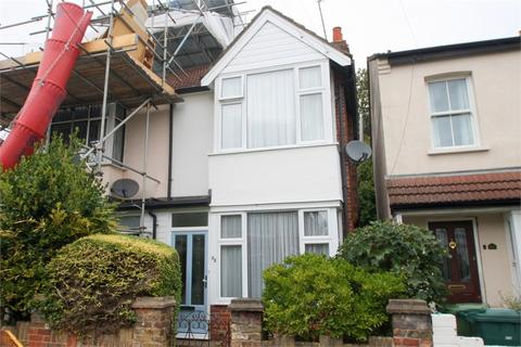2 bedroom semi-detached house for sale - Ruskin Road, STAINES-UPON-THAMES, Surrey