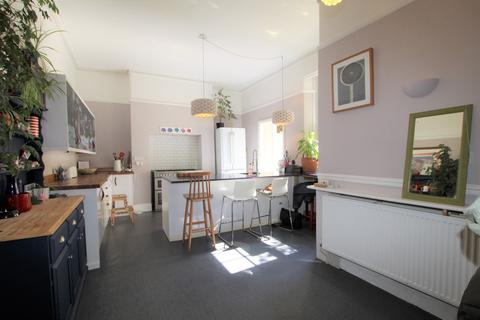 3 bedroom end of terrace house for sale - Haystone Place, Central Plymouth, Plymouth
