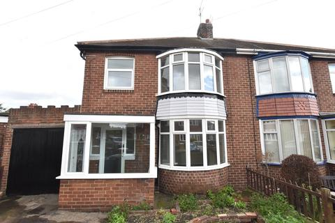 3 bedroom semi-detached house for sale - Follden Avenue, Fulwell