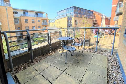 1 bedroom flat for sale - Empress Court, Woodins Way